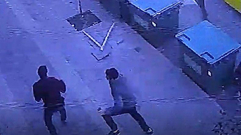 Vecinos atraparon a un motochorro que le arrebató la cartera a una mujer