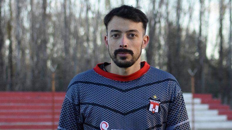 Emiliano Venturi contuvo el penal que metió a Sapere en las semis.