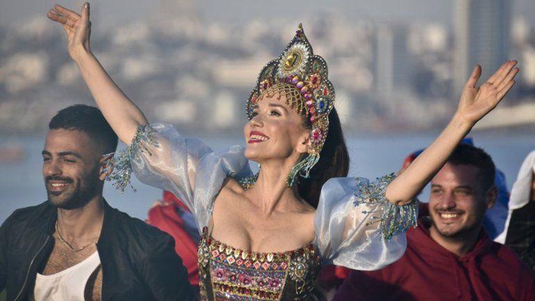 Escándalo: Oreiro usó la remera de la comunidad LGBTI en Rusia y quieren sacarle el pasaporte
