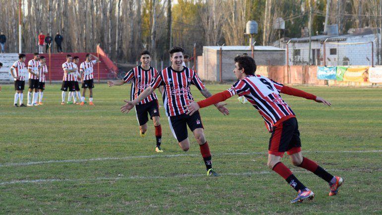 El Tricolor (foto) sueña con el batacazo ante Rincón y Unión ante Petro.