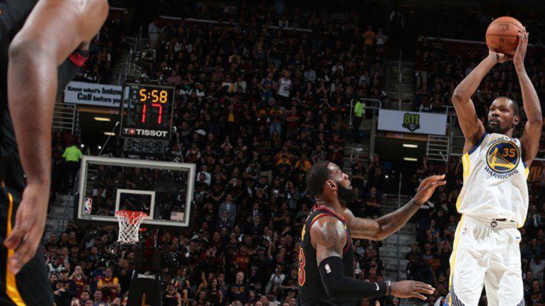 Twitter transmitirá en vivo los segundos tiempos de la NBA