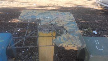 A mazazos destruyeron un centro vecinal en Toma Norte II