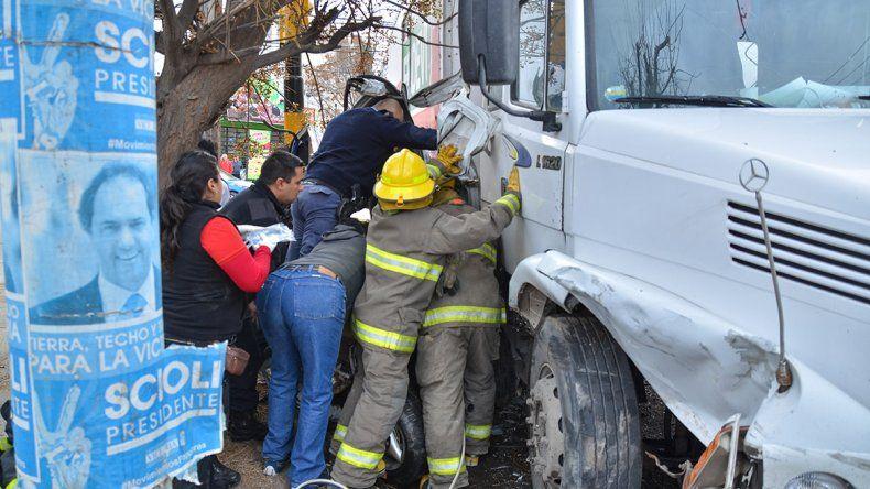 Así fue la carrera desenfrenada del camión por calle Chrestia