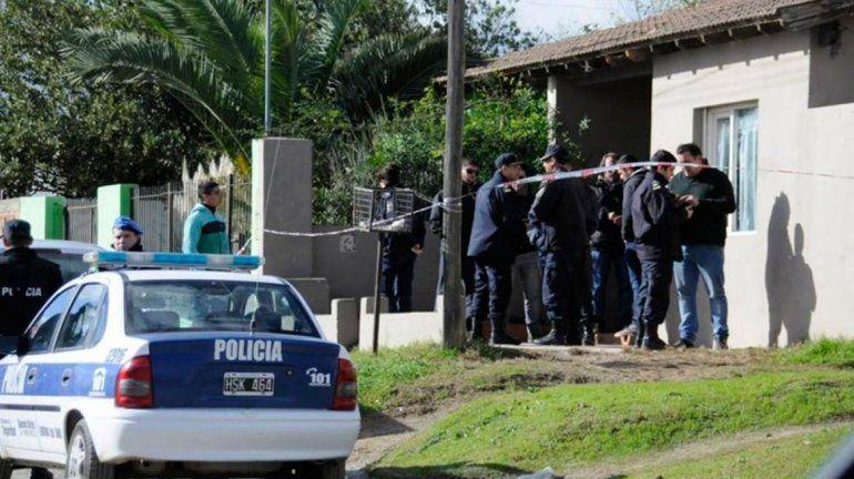 Un policía se suicidó y la misma bala mató a su papá