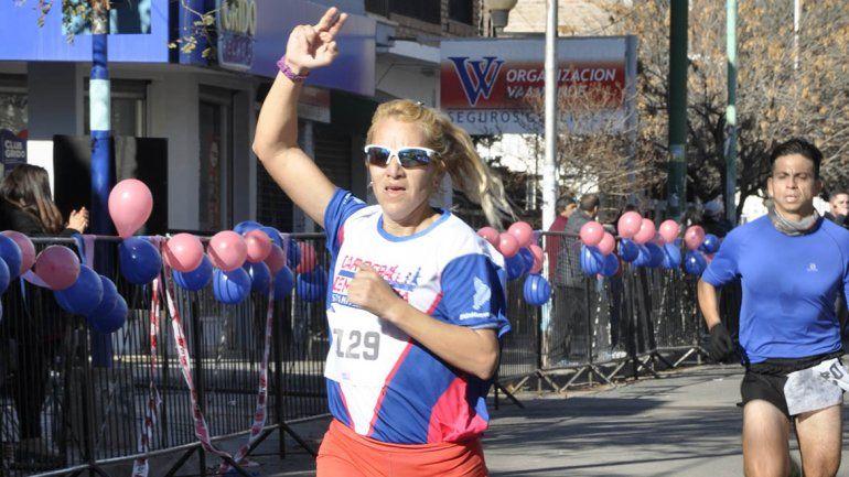 Ruiz y Flores ganaron los 9K de la Carrera de la Democracia