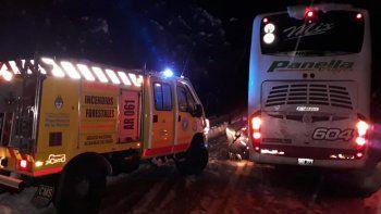 evacuaron a 51 pasajeros que quedaron varados en la ruta