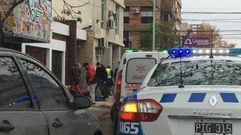 violento arrebato de motochorros: una mujer fue internada