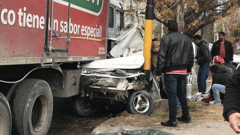 Murió el bebé que estaba en el auto que fue aplastado por un camión sin frenos