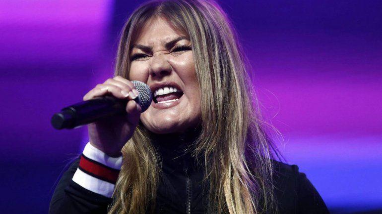 El público presente en el show señaló que la cantante española estaba ebria.