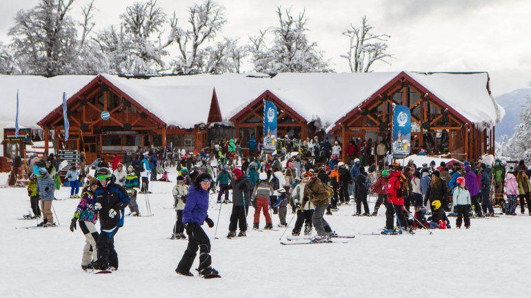 Chapelco inaugurará la temporada invernal este sábado