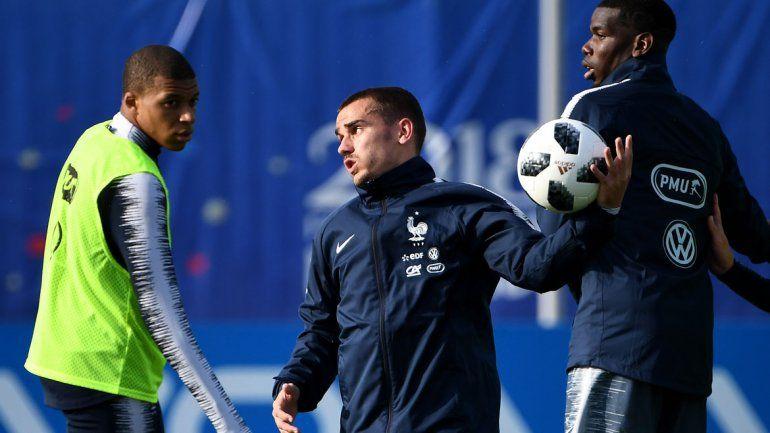 Francia, con Griezmann, también se anota.