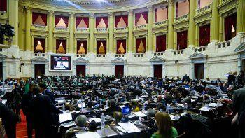 Escándalo en el recinto luego de la histórica votación