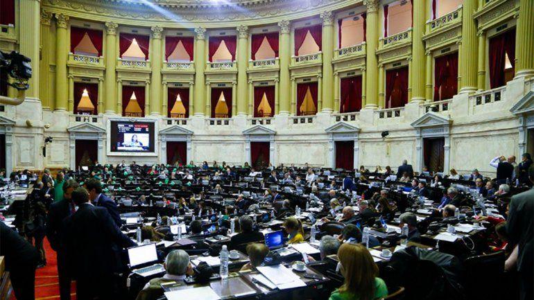 Escándalo en el recinto luego de la histórica votación por el aborto