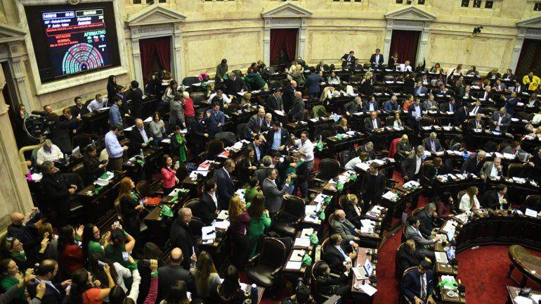 Histórica votación: Diputados le dio media sanción a la despenalización del aborto