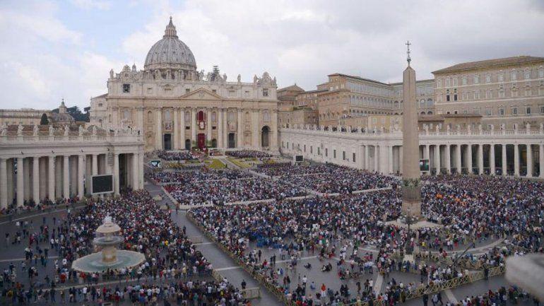 El Vaticano cuestiona la ideología de género al decir que busca aniquilar la naturaleza