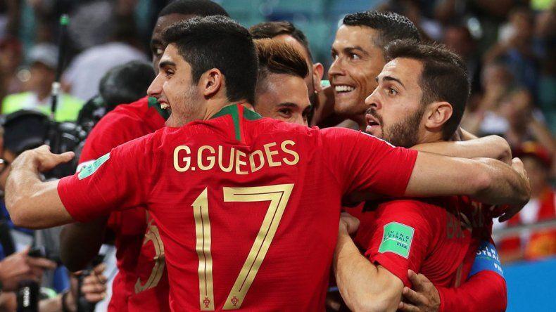 Triplete y récord de Cristiano para el empate entre Portugal y España