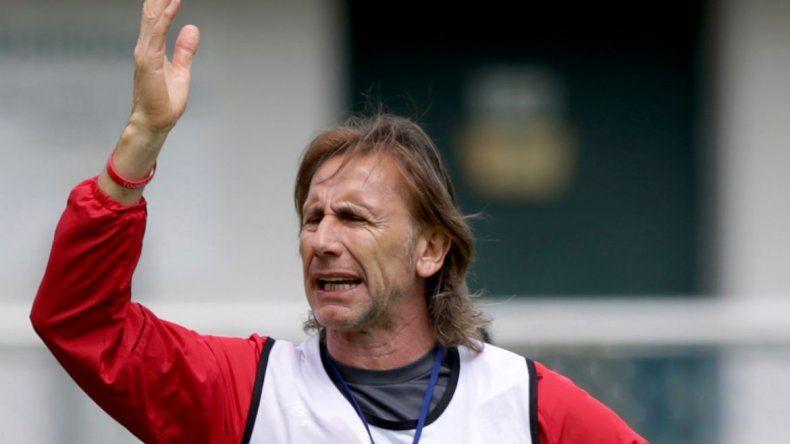 Perú volvió al Mundial con una derrota ante Dinamarca