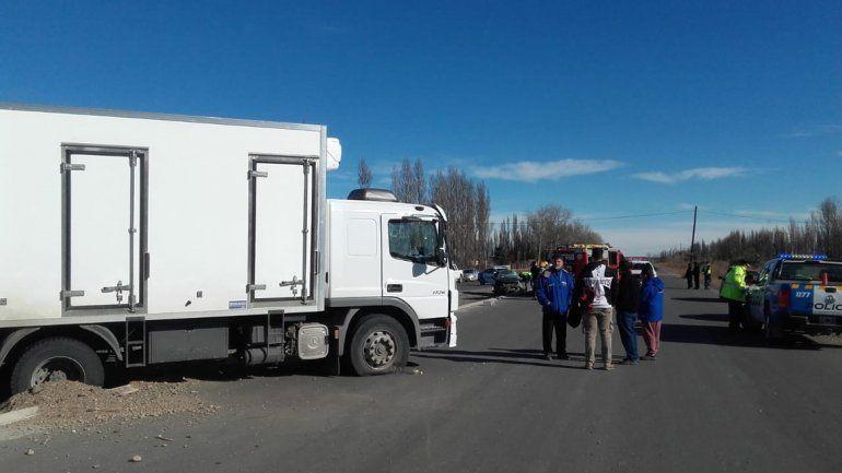 Un hombre murió en un choque contra un camión en Plottier