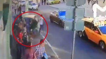 Según la información brindada porla embajada de México en Moscú, el conductor perdió el control del vehículo.