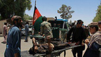 atentado suicida deja 20 muertos en afganistan