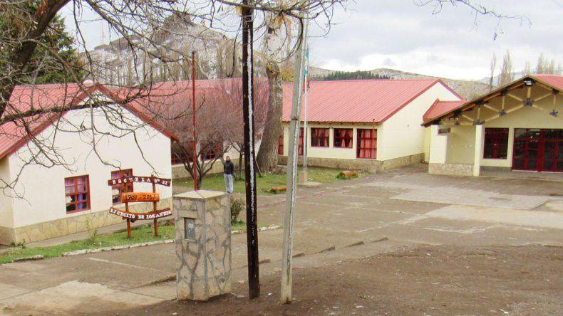 El Cholar pone a punto su vieja escuela primaria