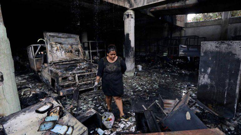 Del incendio en la vivienda de tres pisos se salvaron dos personas