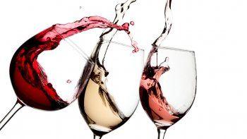 tomar mas de tres copas de vino diarias causa cirrosis