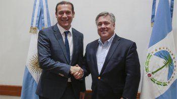 El gobernador se reunió con el presidente de Chevron para África y América Latina, Exploración y Producción, Clay Neff.