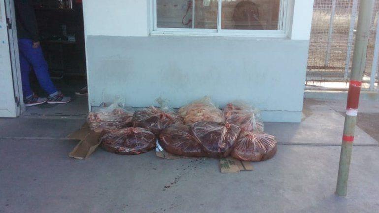 La mercadería secuestrada esta tarde en Picún Leufú.