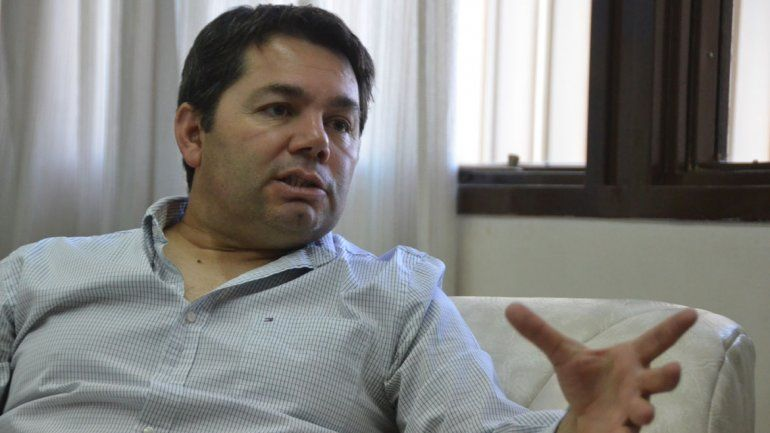 A cargo. Alejandro Monteiro