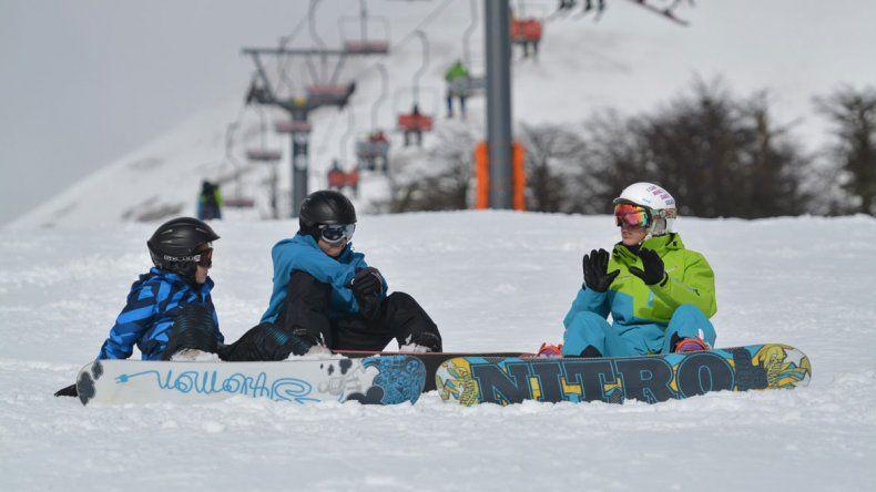 La apertura del centro de esquí de San Martín de los Andes se postergó hasta contar con más nieve en las pistas.