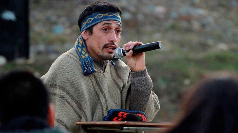 El gobernador de Chubut prometió dejarlo celebrar el rito mapuche.