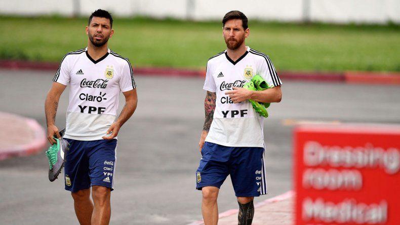 Messi y el Kun. Amigos fuera de la cancha y socios dentro del campo de juego.
