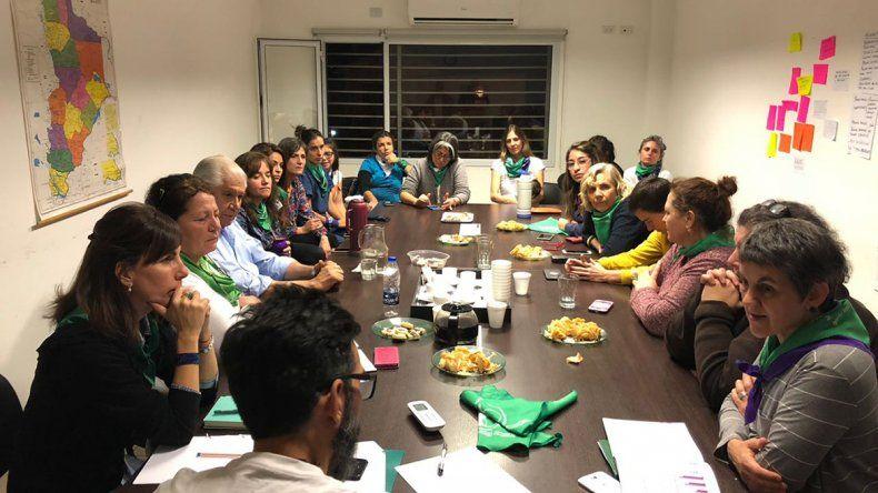 Aborto: Pereyra se reunió con organizaciones para definir su voto