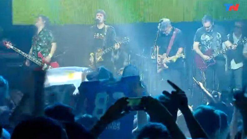 Ciro y Los Pericos tocan en un estadio de Moscú gratis en la previa de Argentina
