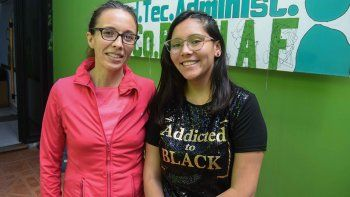 Sonia Méndez y Rocío Vizcarra, consejera adolescente titular por la zona confluencia.