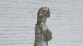 La estatua, llamada Aphrodite di Kansas City, se hizo pedazos.