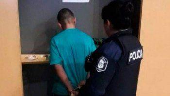 La víctima fue engañada por un conocido, que la llevó allí y la sometió.