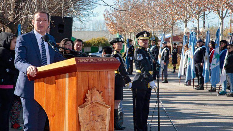 El gobernador Omar Gutiérrez presidió el acto.