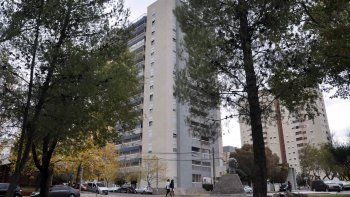 Señalan sitio por la memoria a la torre usurpada en 1976