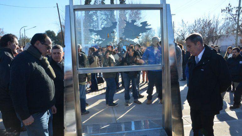Homenajeron a los ex combatientes con un monumento