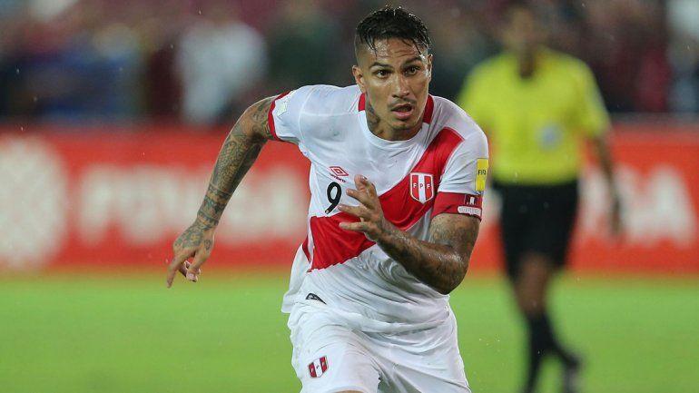 Paolo Guerrero será titular desde el arranque en Perú.
