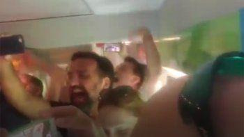 asi fue el aliento albiceleste en el tren de moscu a nizhni