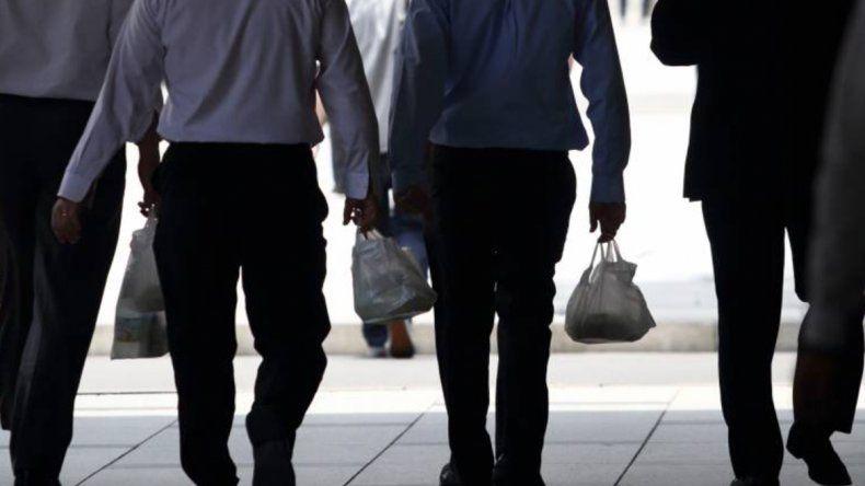 El hombre de 64 años es empleado de la oficina de Obras Sanitarias de la ciudad de Kobe. Su mal comportamiento se extendió por siete meses.