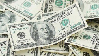 subastaran u$s 100 millones por dia para contener al dolar
