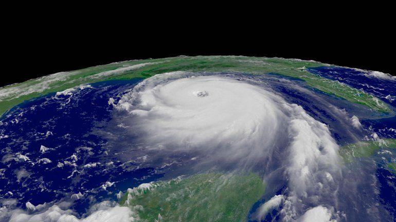 Algunos fuertes vientos llegaron a alcanzar los 375 kilómetros por hora.