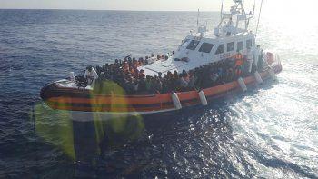 acnur denuncia que se ahogaron 220 personas en los ultimos dias