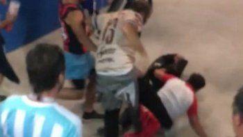 la brutal golpiza de hinchas argentinos a un croata