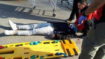 ciclista herido luego de ser atropellado por un auto