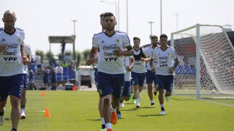 Armani se perfila como titular para el próximo martes